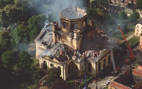 Ingvar Karmhed/TT Ruinerna av Katarina kyrka i Stockholm efter branden den 17 maj 1990. Arkivbild.