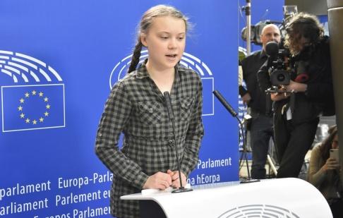 Wiktor Nummelin / TT Klimataktivisten Greta Thunberg håller presskonferens i EU-parlamentet i Strasbourg.