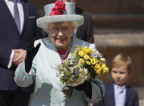 Kirsty Wigglesworth/AP/TT Drottning Elizabeth fyller 93 år.