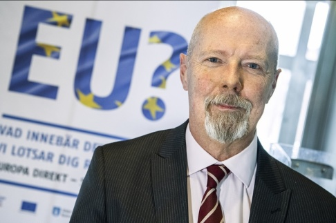 Claudio Bresciani/TT Ola Schön, kanslichef på Södertälje kommun, säger att man framför allt måste nå unga utlandsfödda för att kunna höja valdeltagandet.