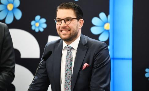 Fredrik Sandberg/TT Sverigedemokraternas partiledare Jimmie Åkesson (SD) presenterar partiets vårbudgetmotion i riksdagen.