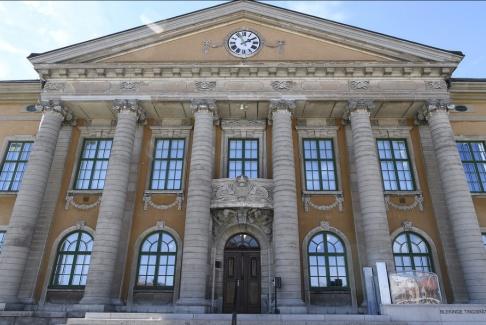 Johan Nilsson/TT En 27-årig man har häktats i Blekinge tingsrätt för en misstänkt våldtäkt på påskdagen. Ytterligare två har begärts häktade. Arkivbild.