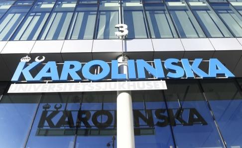 Fredrik Sandberg/TT Karolinska universitetssjukhuset har tills vidare anställningsstopp. Arkivbild.