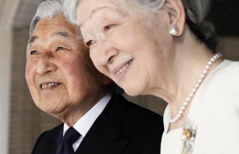 Issei Kato/AP/TT Kejsare Akihito och kejsarinna Michiko har varit gifta i 60 år. Arkivbild.