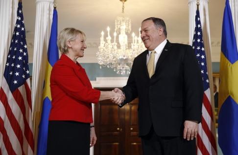 Patrick Semansky/AP/TT Sveriges utrikesminister Margot Wallström träffar USA:s utrikesminister Mike Pompeo i Washington.