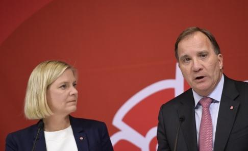 Pontus Lundahl/TT Finansminister Magdalena Andersson (S) och statsminister Stefan Löfven (S) vill stoppa de rikas skatteflykt. Arkivbild.