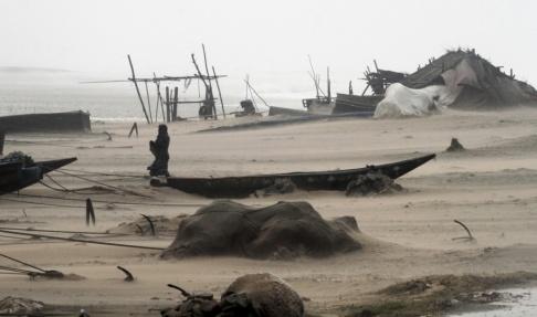 Biswaranjan Rout/AP/TT I oktober drog cyklonen Titli in över kusten. Arkivbild.