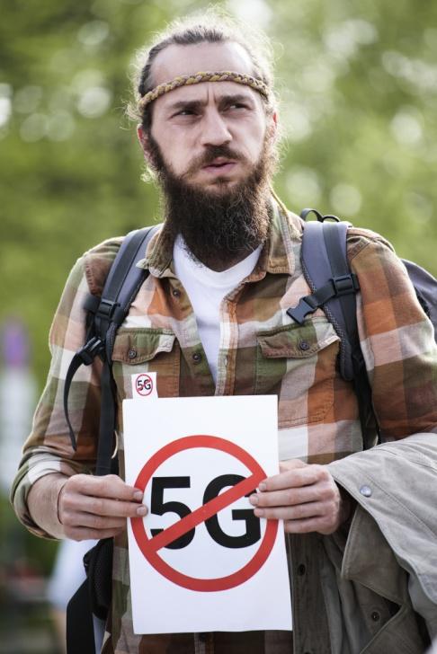 Foto: 5G-demonstrant i Polen. Jaap Arriens. Arkivbild.