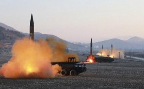 KRT/AP/TT Robotar avfyras från Nordkorea 2017.