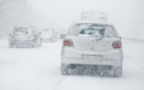 Christine Olsson/TT Stora snömängder kan ställa till det i trafiken det närmaste dygnet.