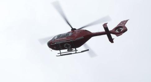 Bertil Ericson / TT En räddningsinsats med bland annat ambulanshelikopter sändes till olycksplatsen i Abiskofjällen, där en skidguide omkom. Arkivbild.