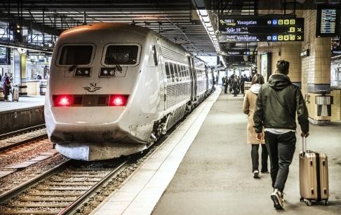Tomas Oneborg/SvD/TT Tågbranschen kommer inte att nå målet om ökad punktlighet vid 2020, slår granskarna fast. Arkivbild.