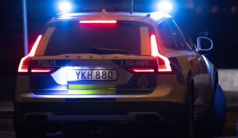 Johan Nilsson/TT Polisen misstänker att mannen medvetet körde på polisbilen. Arkivbild.