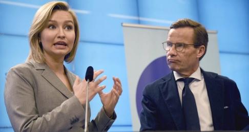Marko Säävälä/TT Kristdemokraternas partiledare Ebba Busch Thor (KD) och Moderaternas partiledare Ulf Kristersson (M) vill uppdatera energiöverenskommelsen.