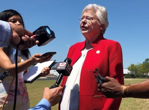 Blake Paterson/AP/TT Alabamas guvernör Kay Ivey.