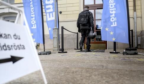 Björn Larsson Rosvall/TT Förra veckan startade förtidsröstningen. Börshuset i Göteborg är en av röstlokalerna.