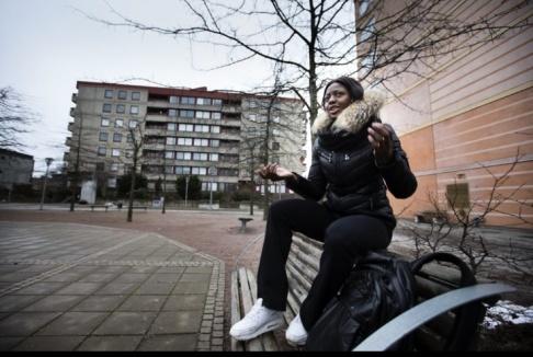 Khaddi Sagnia, friidrottare i längdhopp och tresteg i Hjällbo där hon växt upp.Anders Deros/Aftonbladet/TT. Arkivbild.
