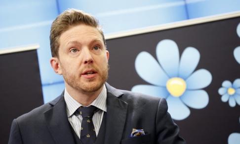 Christine Olsson/TT Sverigedemokraternas Josef Fransson är av de 15 tunga partiföreträdare som radikalt vill göra om public service. Arkivbild.