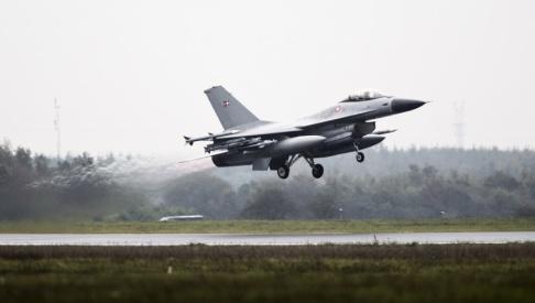 ENGEL JANUS/AP/TT Ett av Danmarks F-16-flygplan. Arkivbild.