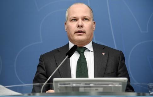 Susanna Pettersson Öste/TT Justitieminister Morgan Johansson (S) tror att ett nytt lagförslag kan omvandlas till terrorlag nästa år.