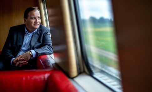 Adam Ihse/TT Statsminister Stefan Löfven (S) tycker att osäkra väljare ska försöka med magkänsla i EU-valet.