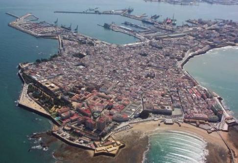 Vy över centrala Cádiz. Foto: Wikipedia.