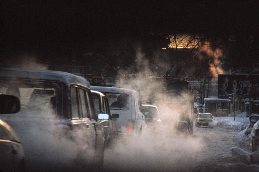 Trafik i Paris. Foto: Jerome Delay.  AP NYHETSBYRÅN.