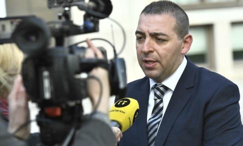 Claudio Bresciani/TT Roger Haddad (L) är en av de politiker som förespråkar stopp för nya religiösa friskolor. Arkivbild.
