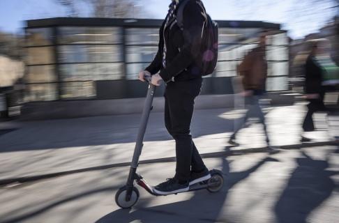 Stina Stjernkvist/TT I Oslo inträffade i snitt 1,2 olyckor med elsparkcykel per dag under april och maj. Arkivbild.