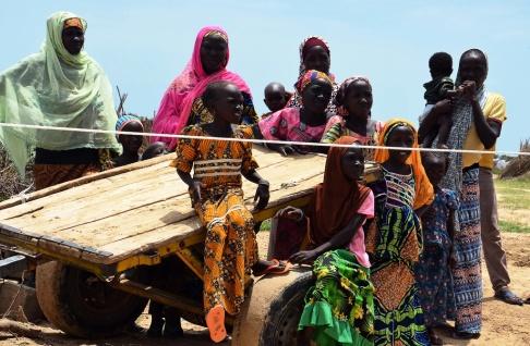 En bild tagen den 10 september 2017 visar nigerianska flyktingar vid ett FN-läger för flyktingar och internt fördrivna personer (IDP) i NGagam, cirka 50 km från Diffa i sydöstra Niger, nära den nigerianska gränsen. NFOTO / BOUREIMA HAMA