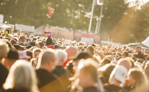 Publikbild från festivalen i Sölvesborg. Foto: Hanna Franzén