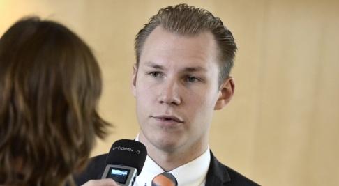 """Claudio Bresciani/TT Sverigedemokraten Markus Wiechel kallar S-rösten för ryskt deltagande """"ett historiskt svek"""". Arkivbild."""