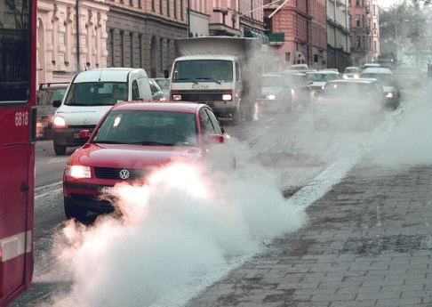 Anders Wiklund/TT Luftföroreningar kan ha ett samband med kvinnors fertilitet, visar en ny italiensk studie. Arkivbild.