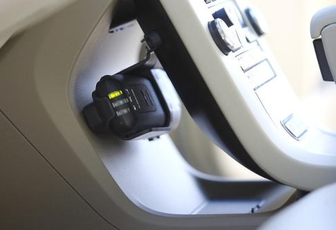 Anders Andersson / TT Sedan körkort med krav på alkolås infördes 2012 har 12 000 personer fått det beviljat som alternativ till indraget körkort. Arkivbild.