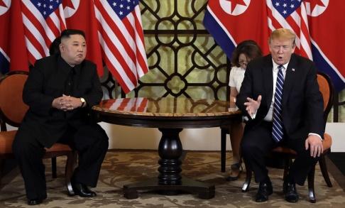 Evan Vucci/AP/TT President Donald Trump och Nordkoreas diktator Kim Jong-Un vid toppmötet i februari i Hanoi i Vietnam.