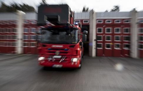 Pontus Lundahl/TT Sent på onsdagskvällen utbröt en brand i en radhuslänga i Höllviken. Arkivbild.