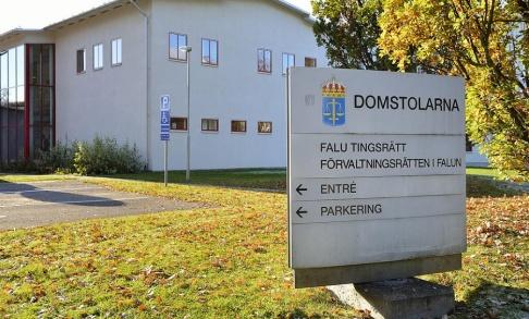 Henrik Montgomery/TT Två har redan häktats av Falu tingsrätt efter dödskjutningen och en misshandel i Borlänge. Nu har åklagaren begärt ytterligare en person häktad. Arkivbild.