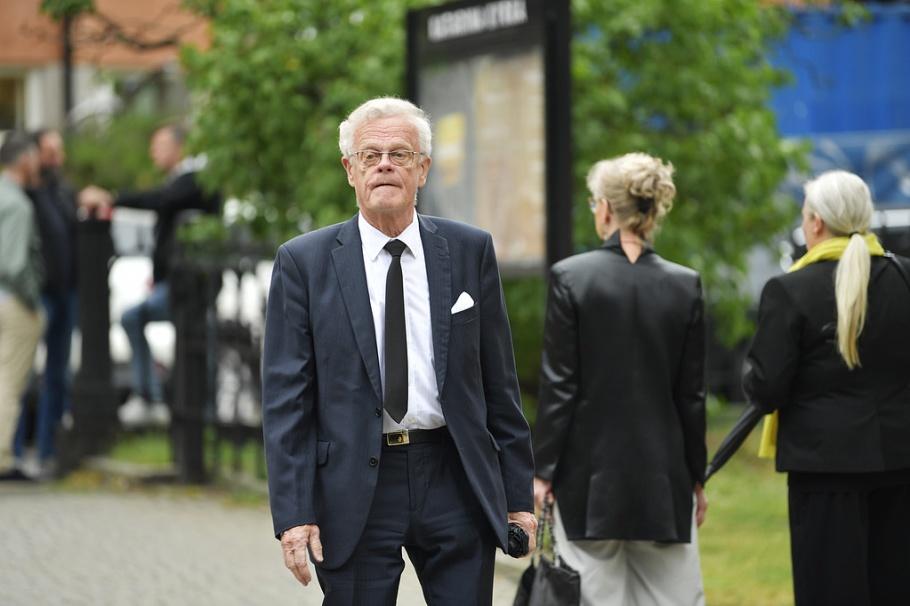 STOCKHOLM 20190626 Idrottsförbundets ordföranede Björn Eriksson anländer till tidigare UEFA-presidenten Lennart Johanssons begravning i Katarina kyrka. Foto: Anders Wiklund / TT