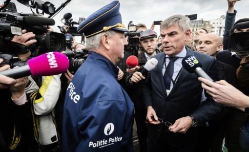 Geert Vanden Wijngaert/AP/TT Belgiske högerextrema politikern Filip Dewinter har blivit tillförordnad talman i det flamländska parlamentet sedan talmannen Kris Van Dijck avgått efter en skandal. Arkivbild.