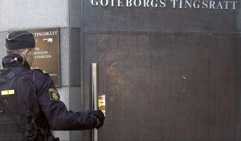 Björn Larsson Rosvall / TT En man i 60-årsåldern döms till två år och sex månaders fängelse för att ha våldtagit en kvinna under en körning svarttaxi. Arkivbild.