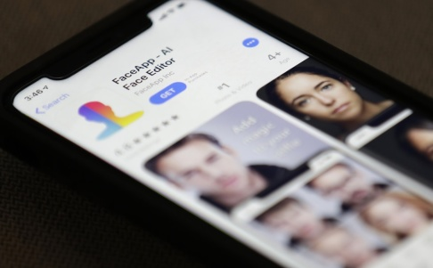 Jenny Kane/AP/TT Appen Faceapp på en Iphone. Arkivbild.