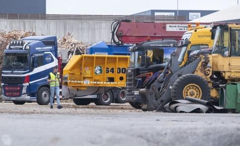 Tor Erik Schröder/NTB Scanpix/TT Polisen arbetar vid platsen där olyckan skedde.