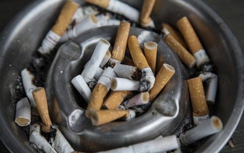 Martina Holmberg / TT Kriminalvården vill införa ett totalförbud för rökning på svenska häkten och anstalter. Arkivbild.