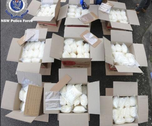 HOGP/AP/TT Metamfetaminet var förpackat i 13 förslutna kartonger.