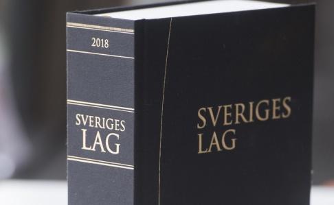 Fredrik Sandberg Ytterligare en person begärs häktad för i samband med knivmordet i ett köpcenter i Göteborg. Arkivbild.