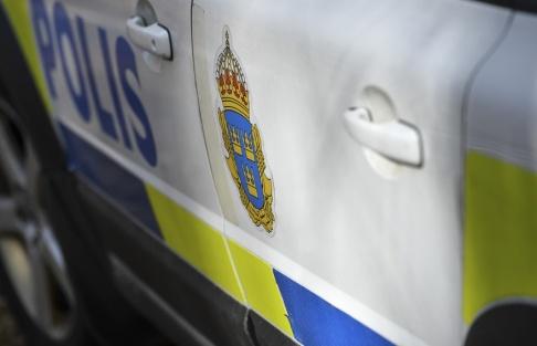 Johan Nilsson/TT Polisen undersöker ett misstänkt farligt föremål i Solna. Arkivbild.