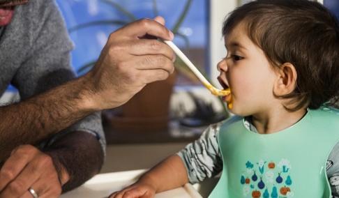 isabell Höjman/TT Fler barn innebär fler föräldrar som behöver föräldrapenning. Arkivbild.