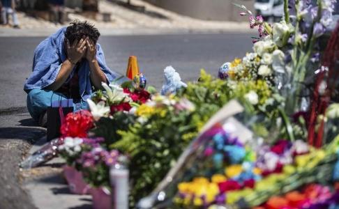 Lola Gomez/Austin American-Statesman/AP/TT En minnesplats för offren i El Paso, Texas.