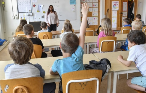 Jonas Ekströmer/TT Många lärare dokumenterar för säkerhets skull, ifall föräldrar skulle ifrågasätta deras beslut. Arkivbild.