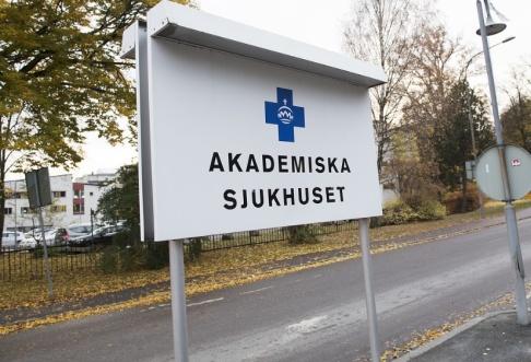 Fredrik Sandberg/TT En anställd vid Region Uppsala missade att fakturera sjukresor från andra län till Akademiska sjukhuset. Arkivbild.